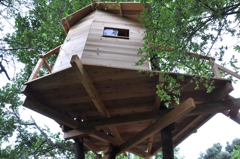 cabane dans les arbres. Black Bedroom Furniture Sets. Home Design Ideas